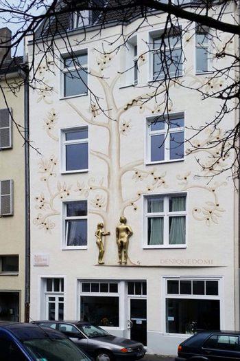DWI-Cologne Daniela Steinbach-Wirtz Immobilien-Fassade